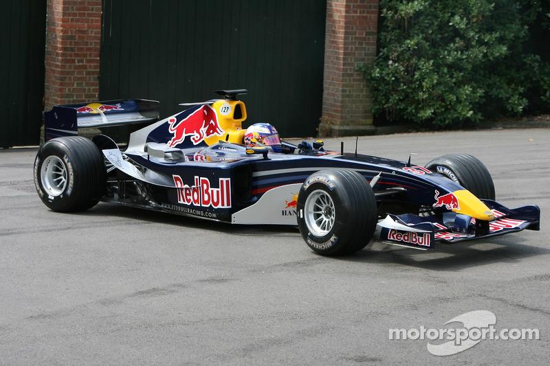 Red Bull Cosworth RB1: Robert Doornbos