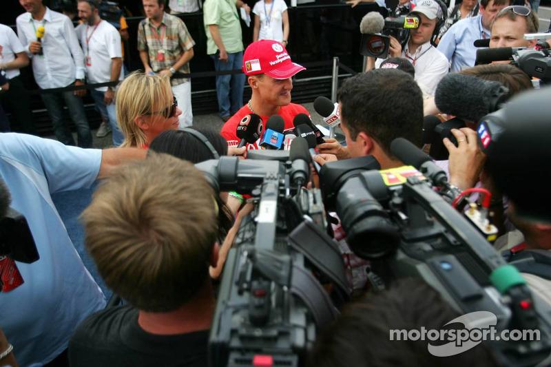 Michael Schumacher interviewé pour la télévision