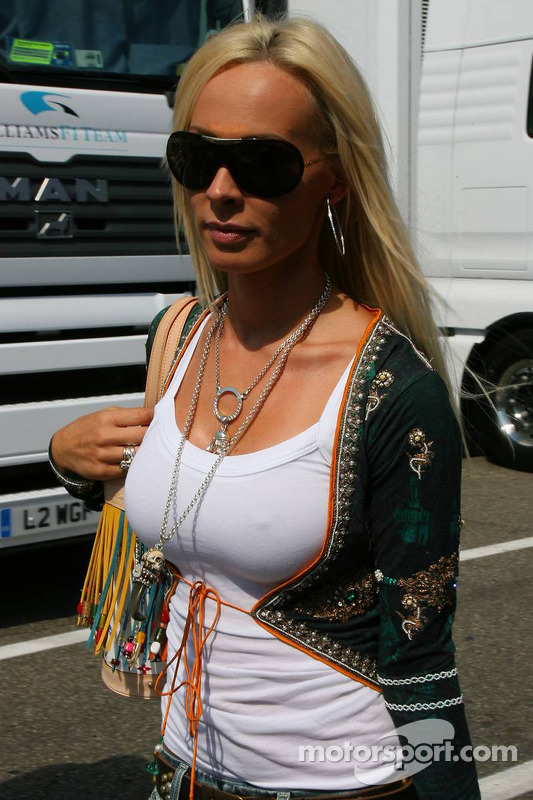 cora schumacher at german gp. Black Bedroom Furniture Sets. Home Design Ideas