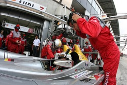 Pitstop for #7 Audi Sport Team Joest Audi R10: Allan McNish, Rinaldo Capello, Tom Kristensen