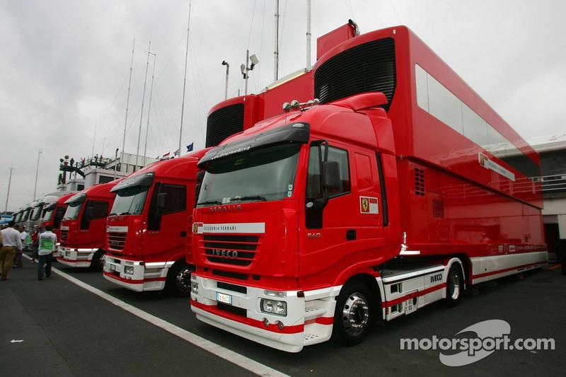 Camions de la Scuderia Ferrari