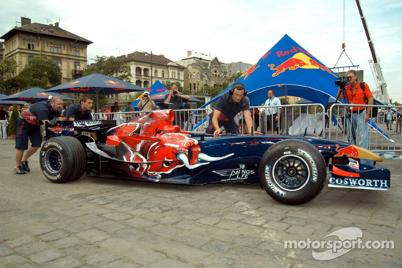 Red Bull Show Run Budapest: un STR1