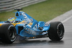 Giancarlo Fisichella misses his rear wing