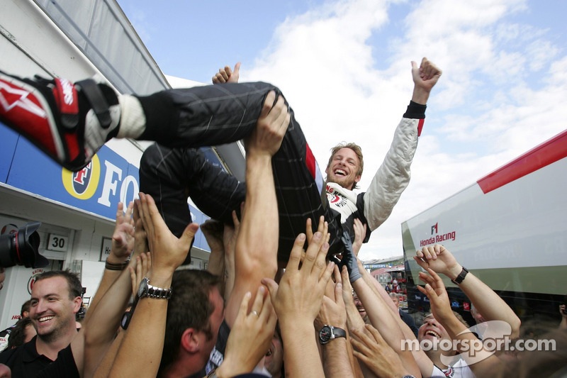 Em 2006, já sob o nome Honda, Button venceu sua primeira na F1, na Hungria