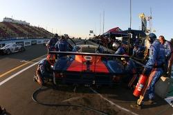 Pitstop for #10 SunTrust Racing Pontiac Riley: Wayne Taylor, Max Angelelli, Ryan Briscoe