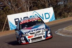 Lee Holdsworth through Turn 2