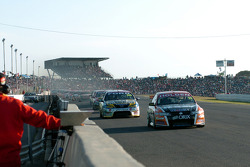 Rick Kelly took the lead at the re-start