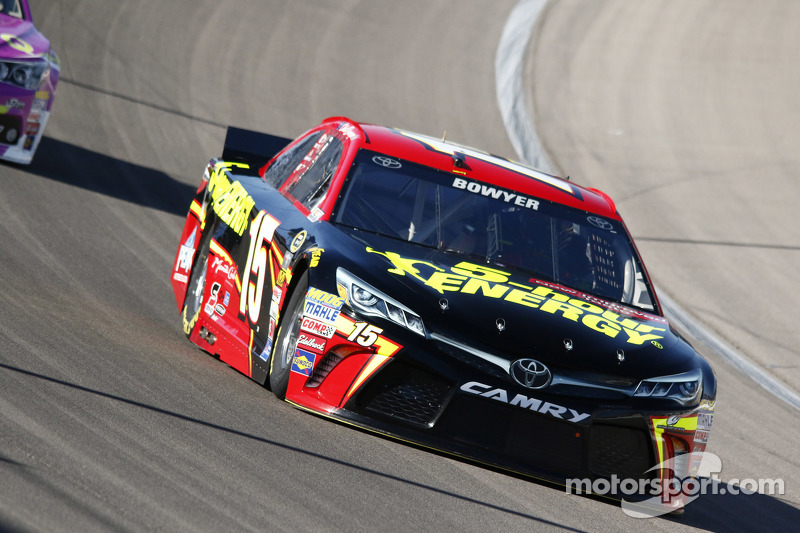 Клінт Бойєр, Michael Waltrip Racing Toyota