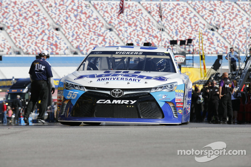 Brian Vickers, Michael Waltrip Racing, Toyota