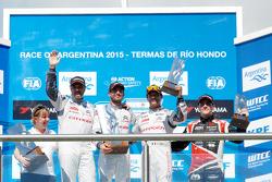 Podium: race winner Jose Maria Lopez, second place Yvan Muller, third place Sébastien Loeb