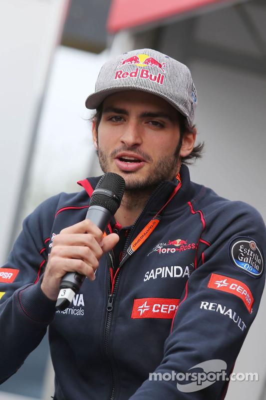 Carlos Sainz Jr., Scuderia Toro Rosso di Autograph Stage