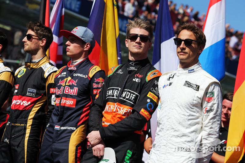 (Kiri ke Kanan): Romain Grosjean, Lotus F1 Team; Max Verstappen, Scuderia Toro Rosso; Nico Hulkenberg, Sahara Force India F1; Jenson Button, McLaren; di grid