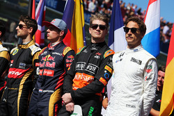 (L naar R): Romain Grosjean, Lotus F1 Team; Max Verstappen, Scuderia Toro Rosso; Nico Hulkenberg, Sahara Force India F1; Jenson Button, McLaren; op de grid