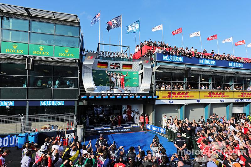Podium: 2. Nico Rosberg, Mercedes AMG F1, 1. Lewis Hamilton, Mercedes AMG F1, und 3. Sebastian Vette