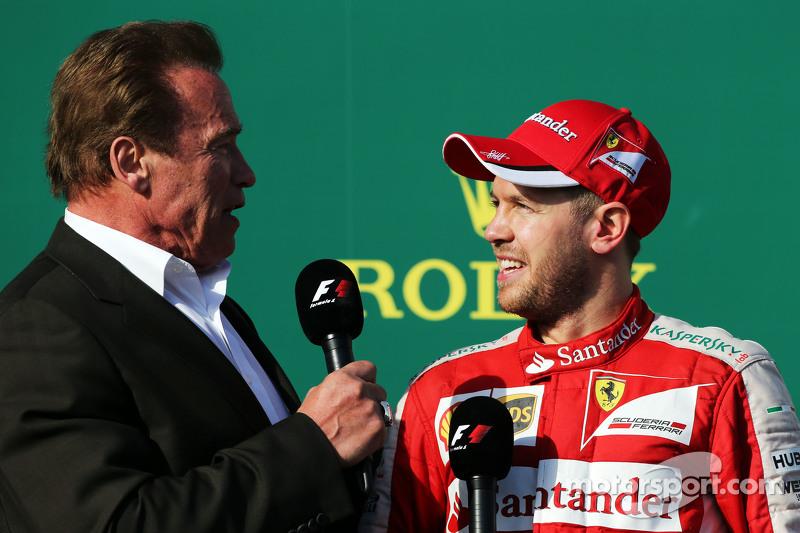 Гран При Австралии, 15 марта. Арнольд Шварценеггер и Себастьян Феттель на подиуме