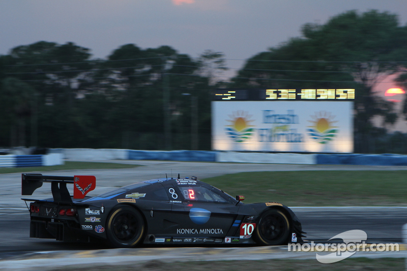 #10 Wayne Taylor Racing, Corvette DP: Ricky Taylor, Jordan Taylor, Max Angelelli