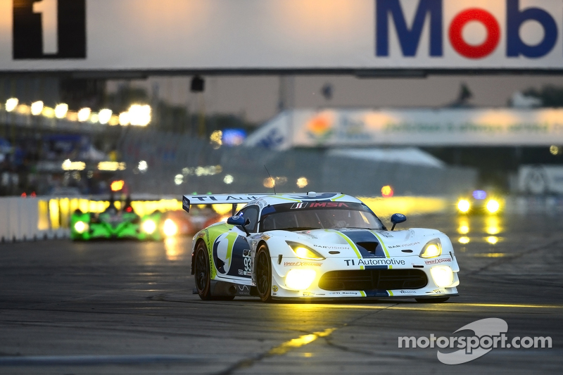 #93 Riley Motorsports, Dodge Viper SRT: Al Carter, Ben Keating, Marc Goosens, Cameron Lawrence