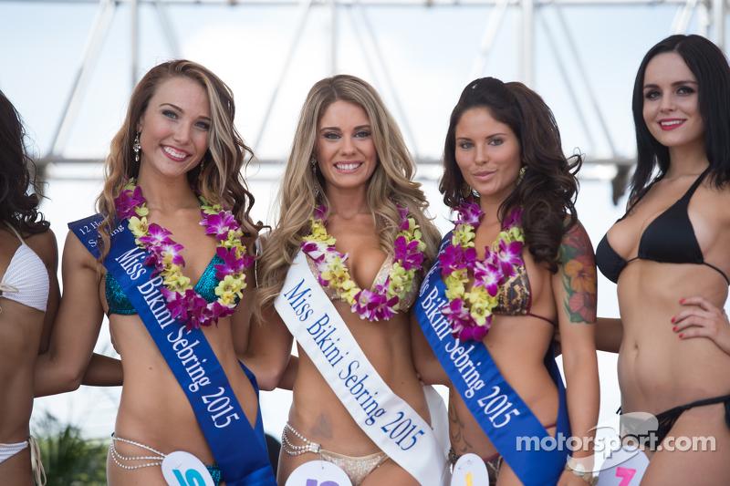 Lovely contestants в famous Sebring Bikini Contest