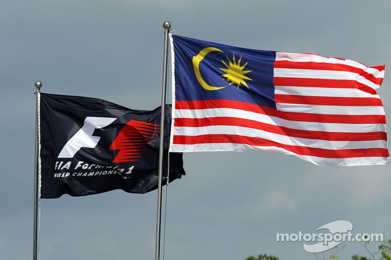 F1 dan Malaysian flags