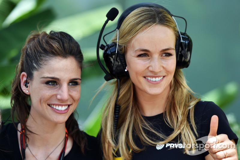 Lucia Villalon Puras, TV Reportera y Carmen Jorda, Lotus F1 Piloto de Desarrollo de Equipo