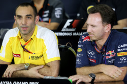 Cyril Abiteboul, Renault Sport F1 et Christian Horner, Team Principal Red Bull Racing