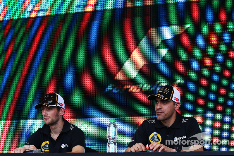 Romain Grosjean, Lotus F1 Team with Pastor Maldonado, Lotus F1 Team