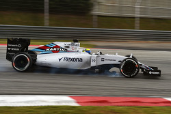 Felipe Massa, Williams FW37, verbremst sich