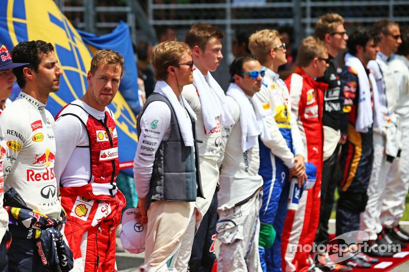 Sebastian Vettel, Ferrari mendengarkan lagu kebangsaan