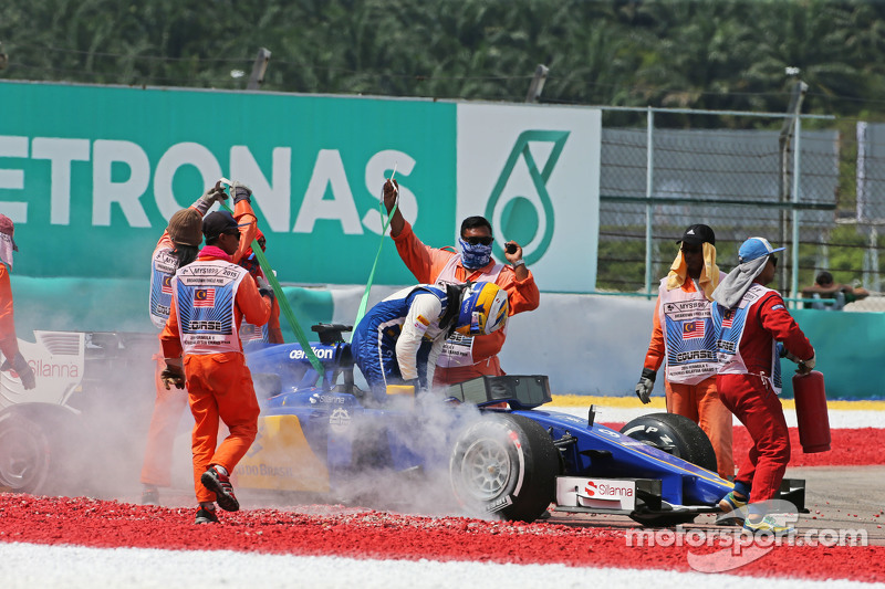 ماركوس اريكسون، ساوبر سي34 ينسحب من السباق