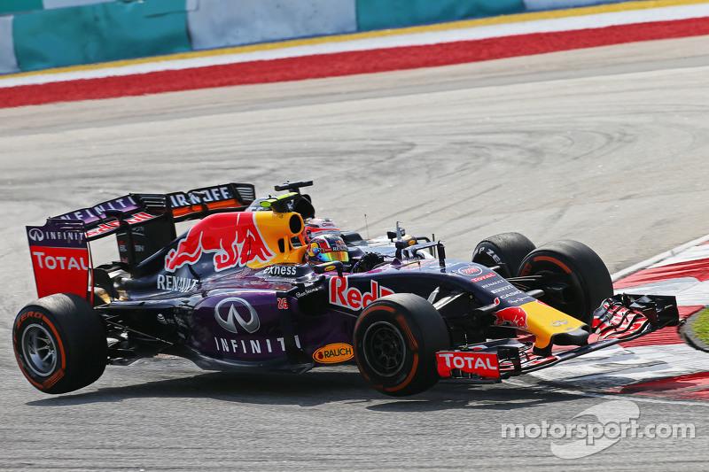 Daniil Kvyat, Red Bull Racing RB11 y Nico Hulkenberg, Sahara Force India F1 VJM08