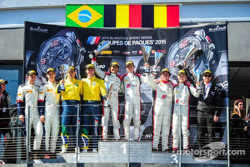 Podio: El segundo puesto # 77 BMW Sports Team Trophy Brasil BMW Z4: Maxime Martin, Dirk Müller, ganador de la carrera # 3 belga Audi del equipo del club WRT Audi R8 LMS Ultra: Stephane Richelmi, Stephane Ortelli y tercer puesto # 2 de Bélgica Audi del equ