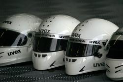 Helme der Boxencrew