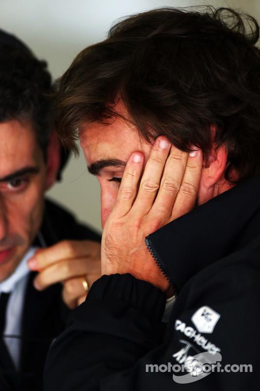 Fernando Alonso, McLaren con Andrea Stella, McLaren Race Engineer