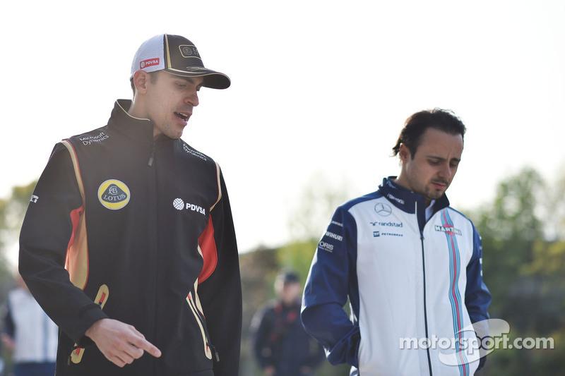 Pastor Maldonado, Lotus F1 Team with Felipe Massa, Williams