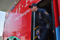 Daniil Kvyat, Red Bull Racing dalam parade pembalap