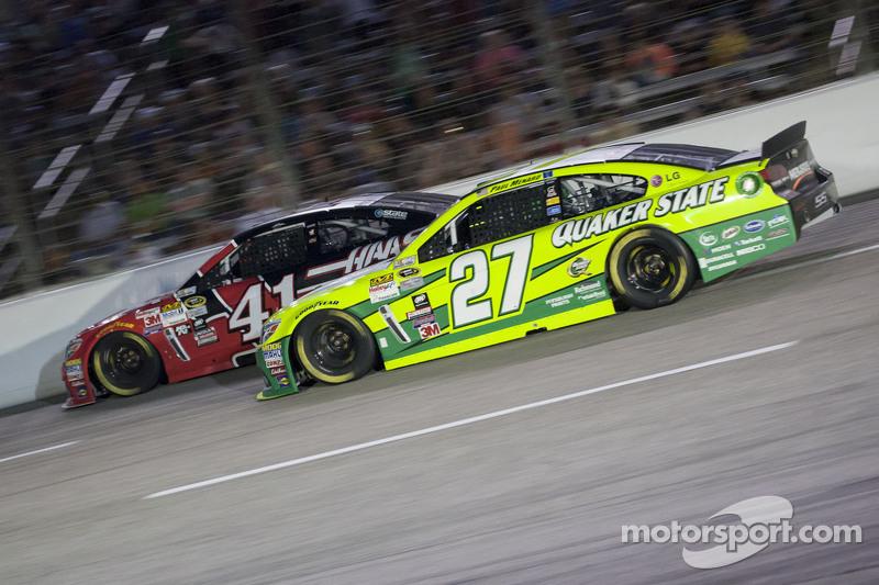 Paul Menard, Richard Childress Racing, Chevrolet, und Kurt Busch, Stewart-Haas Racing, Chevrolet