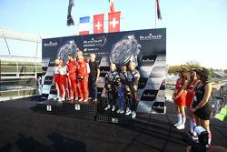 منصة تتويج الهواة: الفائزون في السباق كيسيل ريسينغ فيراري 458 ايطاليا: ستيفن ايرل، ماركو زانوتيني، ليام تالبوت، المركز الثاني # 16 آكا إيه إس بي فيراري 458 ايطاليا: فابيان بارتيز، أنتوني بونز والمركز الثالث # 25 غلوراكس ريسينغ فيراري 458 إيطاليا: فابيو مانشيني، و