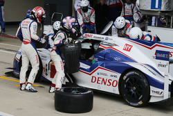 #1 丰田车队TS040 Hybrid: 安东尼·戴维斯, 塞巴斯蒂安·布埃米,中岛一贵