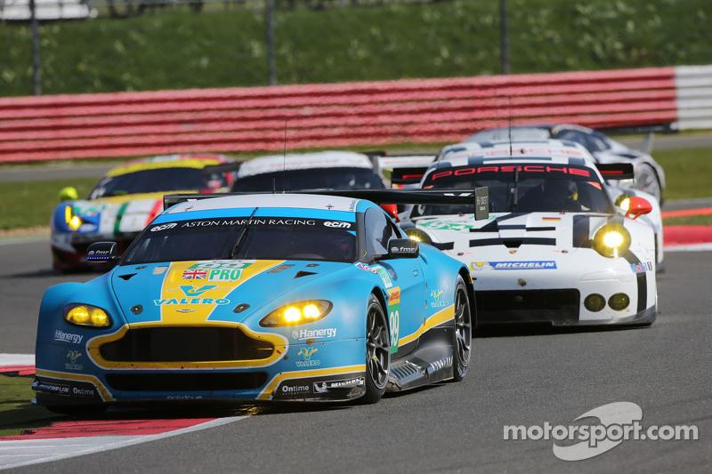 #99 Aston Martin Racing, Vantage V8: Fernando Rees, Alex MacDowall, Richie Stanaway