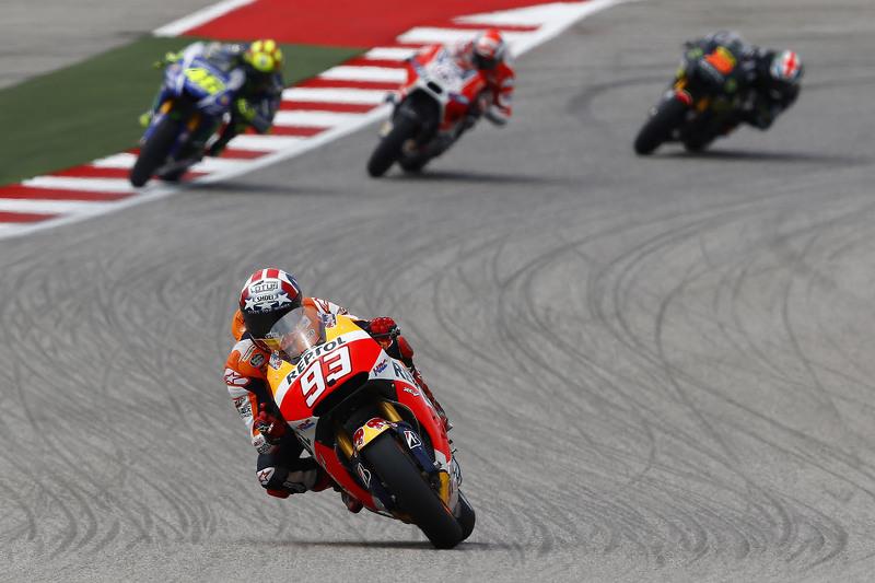 Marc Marquez, Repsol Honda Team, dan Valentino Rossi, Yamaha Factory Racing, dan Bradley Smith, Yama