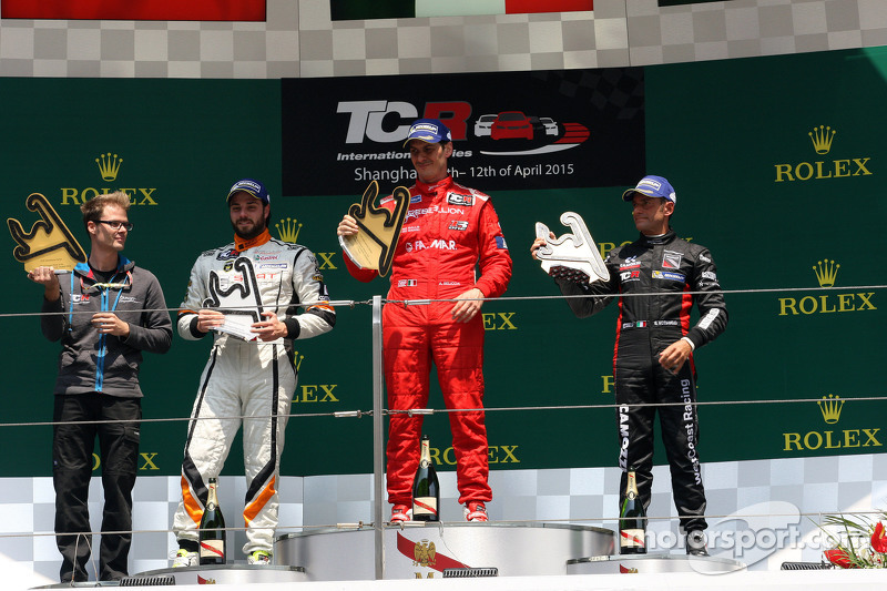 Podium Race 2: First place Andrea Belicchi, SEAT Leon Racer, Target Competition, Second place Stefano Comini, SEAT Leon Racer, Target Competition, Third place Gianni Morbidelli, Honda Civic TCR, West Coast Racing