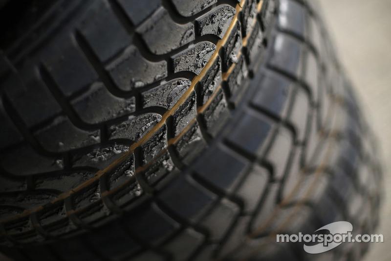 GP2 Pirelli travel tyres