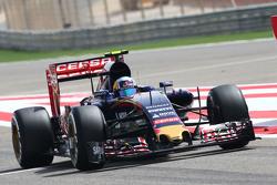 Карлос Сайнс мол.,, Scuderia Toro Rosso STR10