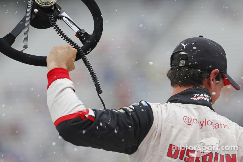 Juara balapan Joey Logano, Team Penske Ford