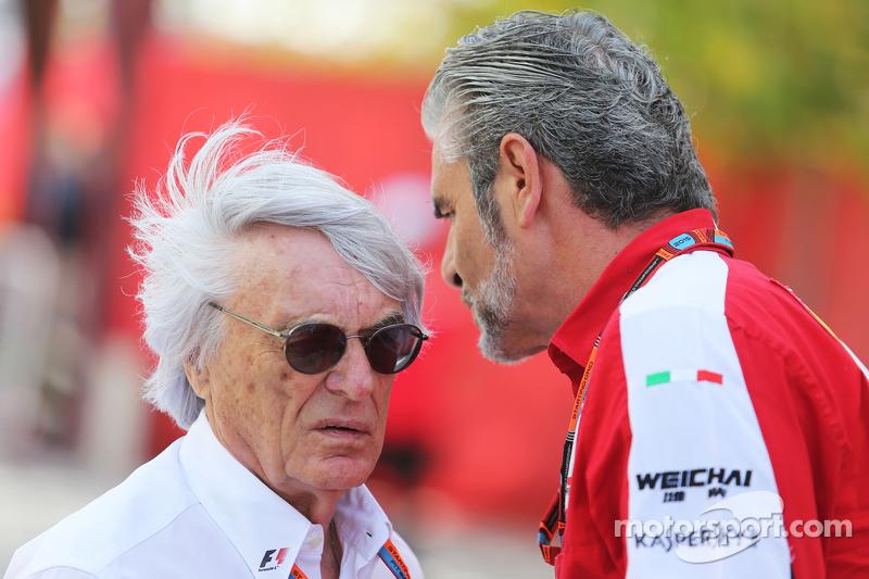 Bernie Ecclestone, avec Maurizio Arrivabene, Team Principal de Ferrari