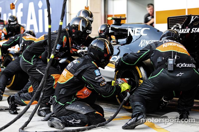 Sahara Force India F1 Team, Mechaniker beim Boxenstopp-Training