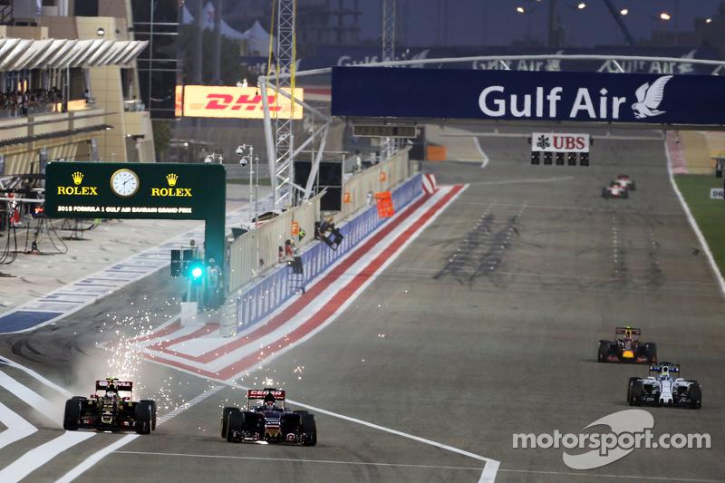 Пастор Мальдонадо, Lotus F1 E23 та Макс Ферстаппен, Scuderia Toro Rosso STR10 - боротьба за позиції
