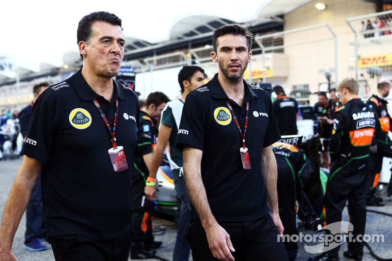 Federico Gastaldi, Lotus F1 Team Deputy Team Principal and Matthew Carter, Lotus F1 Team CEO on the grid