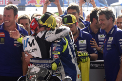 Valentino Rossi, Yamaha Factory Racing, und Cal Crutchlow, Team LCR, Honda