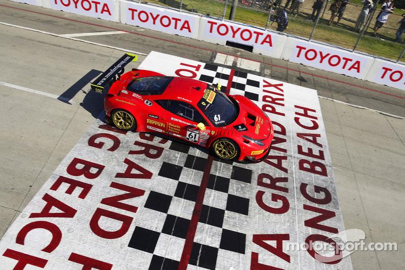 #61 R. Ferri Motorsport Ferrari 458 GT3 Italia: Олів'є Беретта